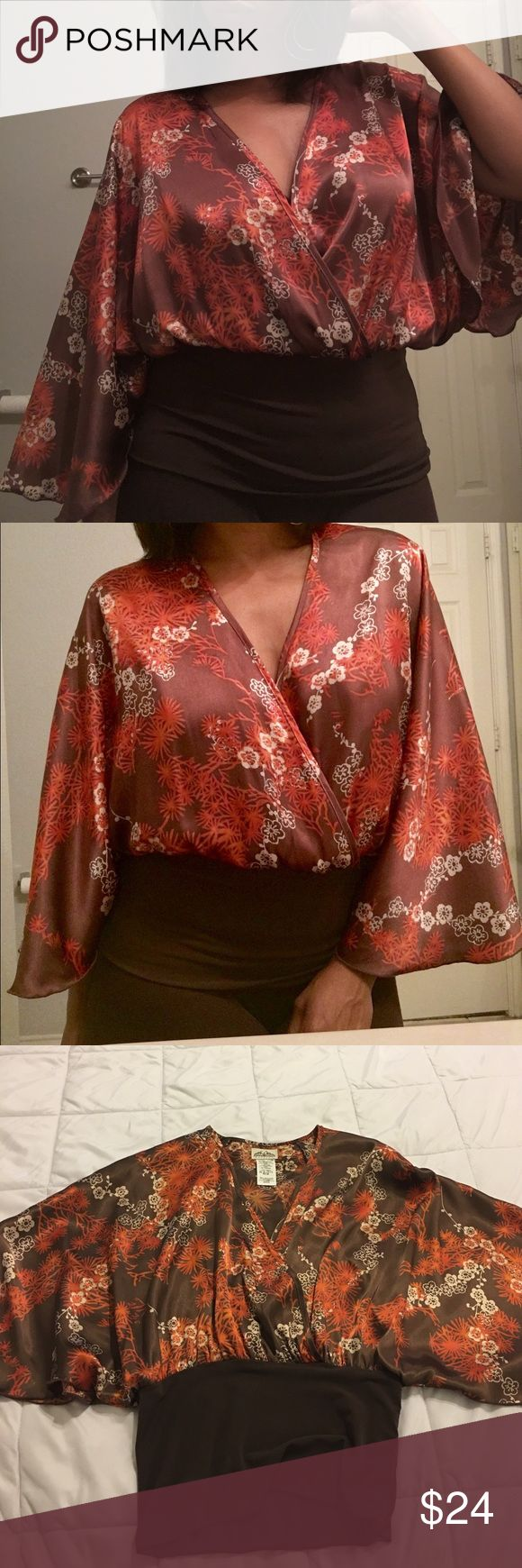 Gorgeous Japanese Inspired Batwing Top😍 Beautiful batwing top that features vibrant colors of burnt orange, cream, and shimmers of gold throughout. Soft silk-like material with an ultra flattering waist cinching bottom! Beautiful Gorgeous!! Excellent Condition!! 💋 WINDSOR Tops Blouses