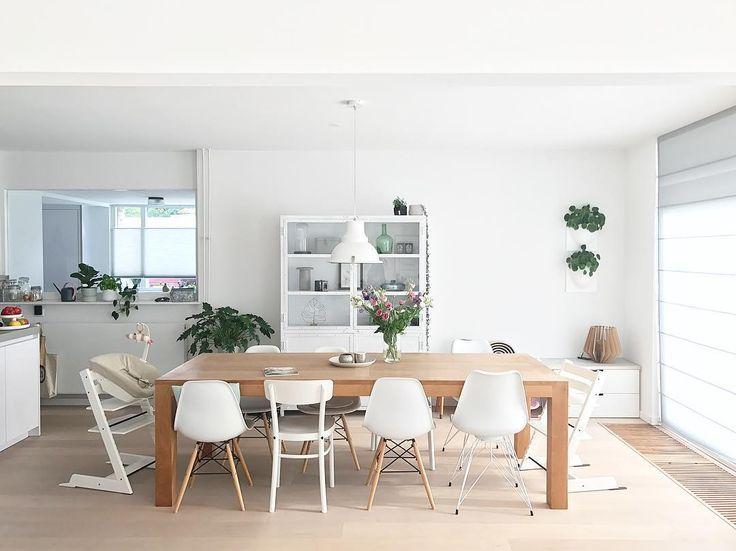 Inspiratiemaandag: all you need is #tafels. Deze week laten wij verschillende tafels zien zodat u inpsiratie krijgt ;) Vandaag hebben wij een #eettafel, laat weten wat jullie ervan vinden!  l Link in bio l * * * * Credits: @tryfenah + @gigameubel + @vertiplants + @insideblinds + @levaleva.nl + @loods5 + @stokkebaby * * * * #interiorstyling #interior4all #interiorstyled #interiordesign #designinterior #livingroomdecor #scandinavianhomes #scandinaviandesign #scandinavianstyle #interior4you1…
