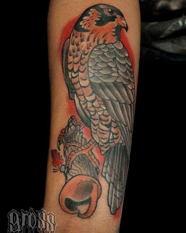 Tattoo realizado en la Convención Tattoo Music Fest. . . #tattoo #dirtygross #gross #tatuaje #tatuajes #tattoos #grosstattoo #tatuajescolombia #tattooanimal #animaltattoo #bogota #bogotacity #bogota🇨🇴 #bogotatattoo #arte #art #artebogota  #colombia #colombiatattoo  #alcontattoo #tatuajescolombia #bogotá #tobagotattoo  #art🎨 #artwork #alcon #convencion #tattoomusicfest #colortattoo #avetattoo