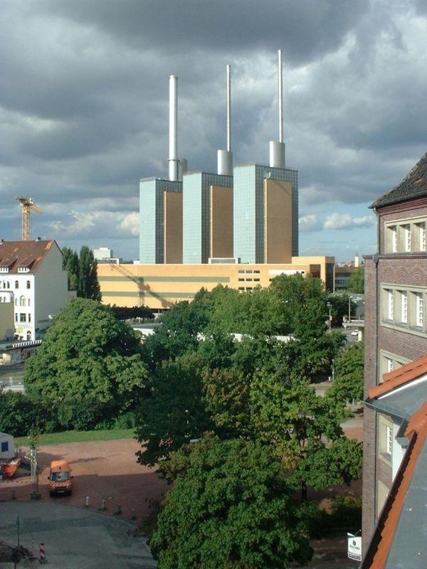 Das Wahrzeichen Von Hannover Linden Die Drei Warmen Brder Des Heizkraftwerkes