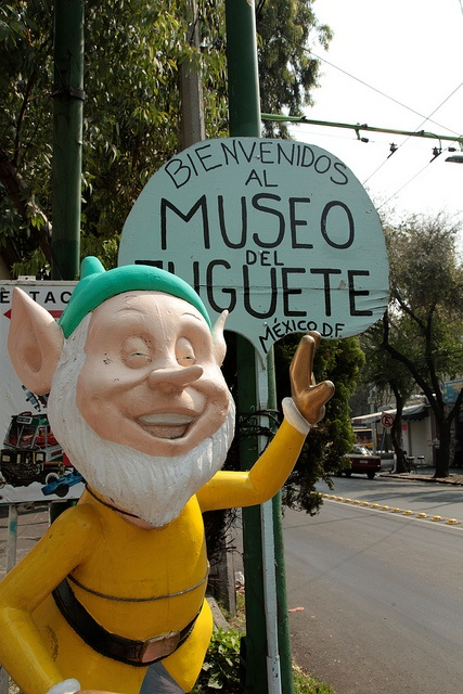 Visit the Museo del Juguete (Toy Museum) in Colonia Doctores.