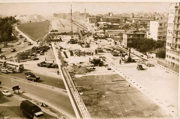 Mecidiyeköy Viyadüğü inşa ediliyor (~1970)