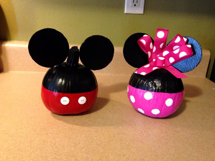 20 best images about disney pumpkins on pinterest free for How to paint a mickey mouse pumpkin