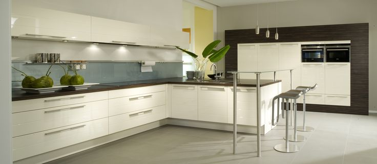 #blanc #white #cuisine #cook #cuisineouverte #magnolie #Hacker #meubles #meublescuisine #four #cooking #kitchen