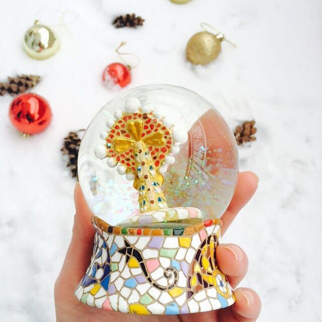 8 Snow Globes Images Pinterest World Gaudi Barcelona Spain Globe