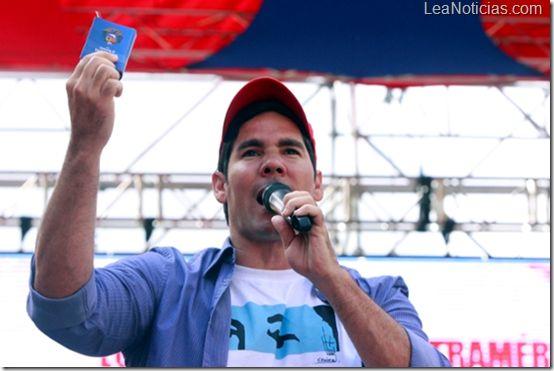 Winston Vallenilla declaró ser ''Chavista de Corazón'' - http://www.leanoticias.com/2013/01/18/winston-vallenilla-declaro-ser-chavista-de-corazon/