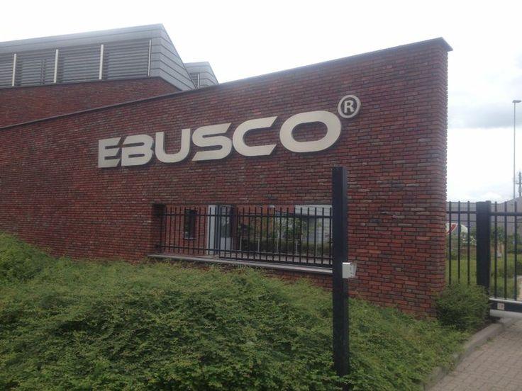 Grote RVS letters voor EBUSCO, met witte led verlichting