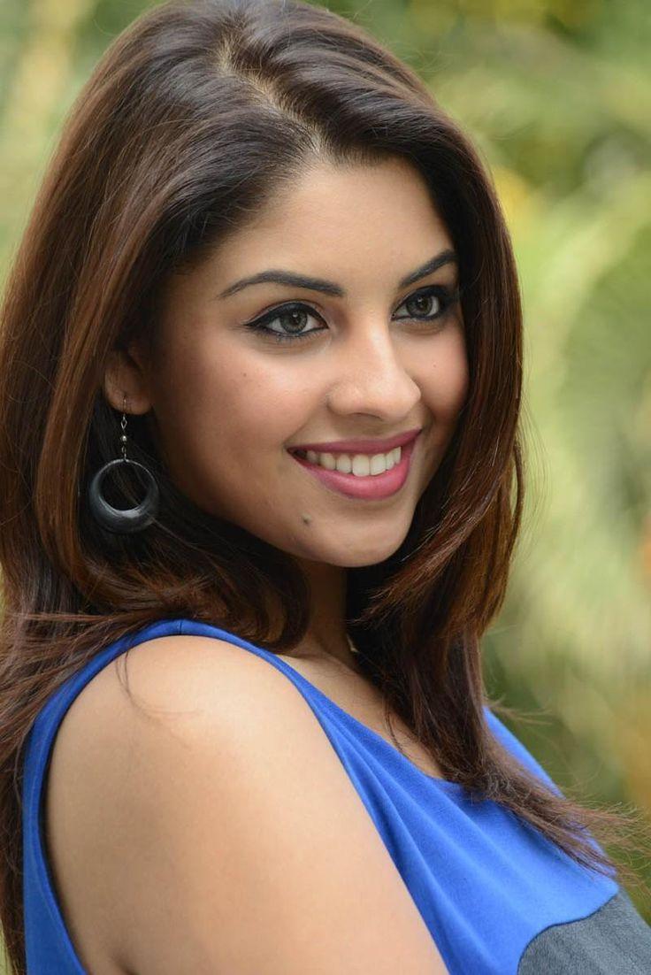 richa gangopadhyay   Richa Gangopadhyay Dazzling Face Look Still