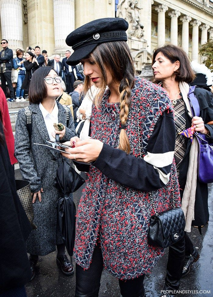 Conductor hat, vest, sweatshirt, mini bag and skinny jeans