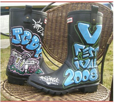 painted festival wellies | ... Wellies at V Festival 2008 - Shucks One (Left) Tizer (Right