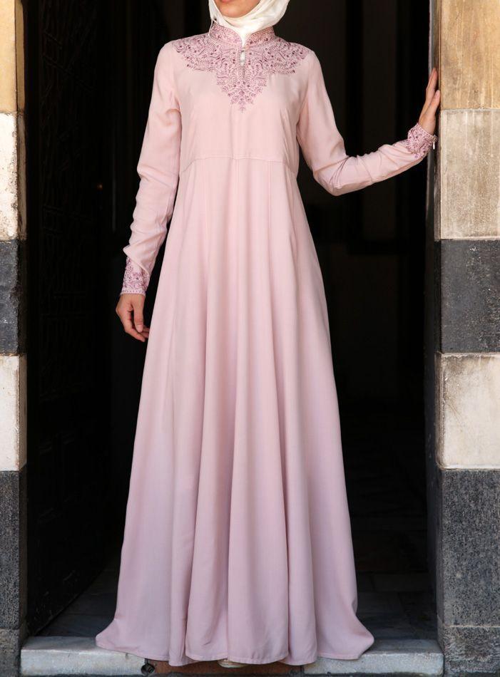 Hijab Fashion 2016/2017: SHUKR USA | Yasmin Gown  Hijab Fashion 2016/2017: Sélection de looks tendances spécial voilées Look Descreption SHUKR USA | Yasmin Gown