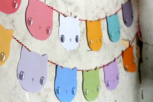 super cute kitty garland! instant cat party!