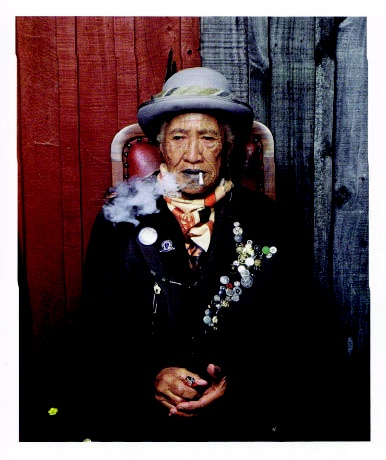 greg semu's photograph of kahui itirawa tahau-blackler (tuwharetoa and ngai tuhoe) for 'aotearoa: wrong white crowd' at mahara gallery, waikanae, 2006.
