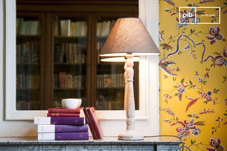 Una lámpara nórdica que se ve bonita dentro de una habitación de decoración antigua elegante