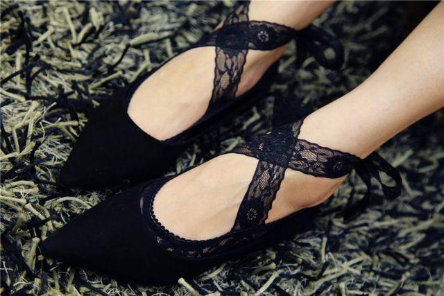 Summer черный леди кружевные носки бинты крест противоскольжения носки женщины, соответствующие с плоской обуви невидимые носки chaussette femme