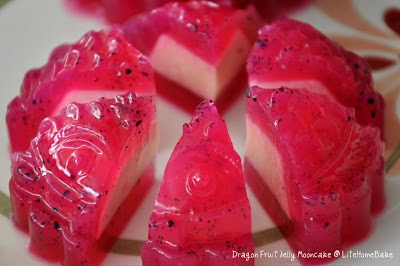 Red Dragon Fruit Jelly Mooncakes