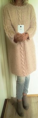Hand knitted, cables and perlestrikk by Annelise Bjerkely