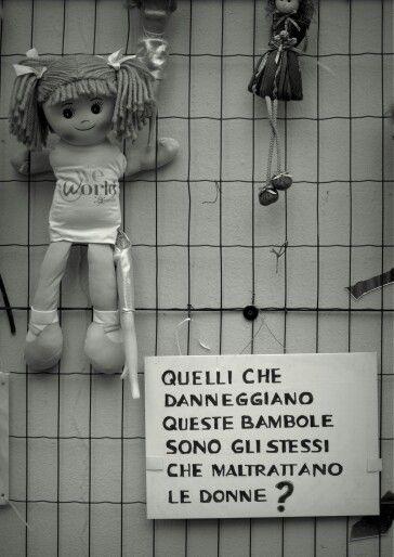#nikonitalia #NikonD3100 #nikon2014 #D3100 #wallofdolls #dolls #noallaviolenza #bambole #dolls #donne #Milano