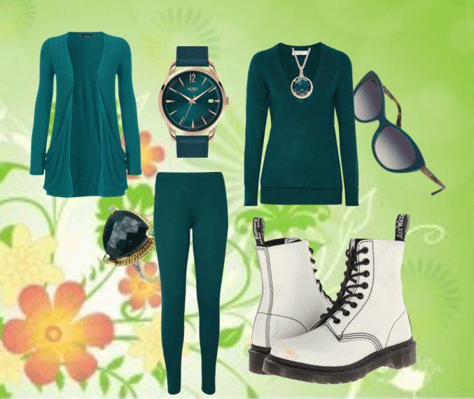 Белые ботильоны, леггинсы, свитер, кардиганЮ кольцо, колье, очки, часы