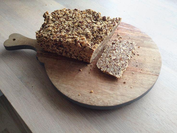 Oppskrift på enkelt og smakfullt lavkarbo nøttebrød