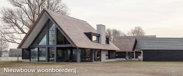 Nieuwe woonboerderij, kleurstelling, raampartij, rieten dak en uitbouw dak. Wij vinden het mooier als het schuine dak hoger begint op de eerste verdieping