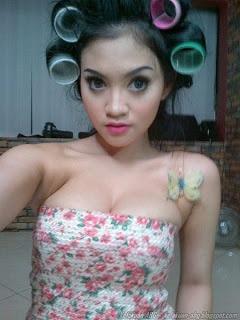 foto seksi artis putri lana hot semok montok 30 foto