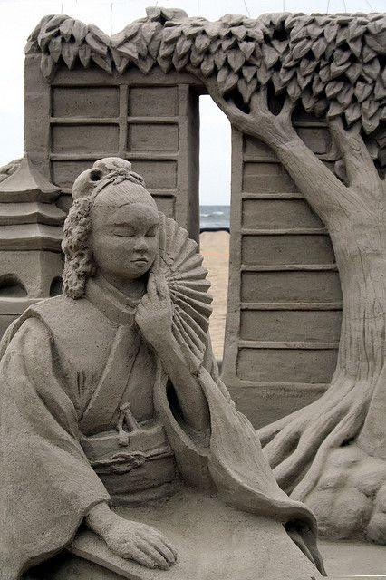 Sand sculpture...amazing!