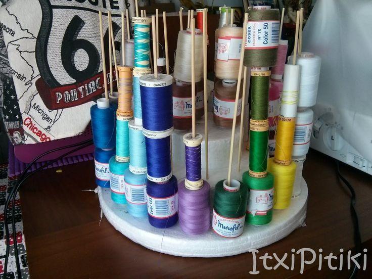 ItxiPitiki. Mama malabarista: Mi rincón de costura, para la Semana Tematica del cuarto de costura