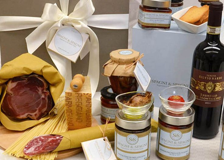 Open this gift, Italian Food Flavors Gift Hamper is an exciting surprise. https://goo.gl/KmqXx0 #ham #salami #wine #cheese #jams #tasty #food #gift #hamper