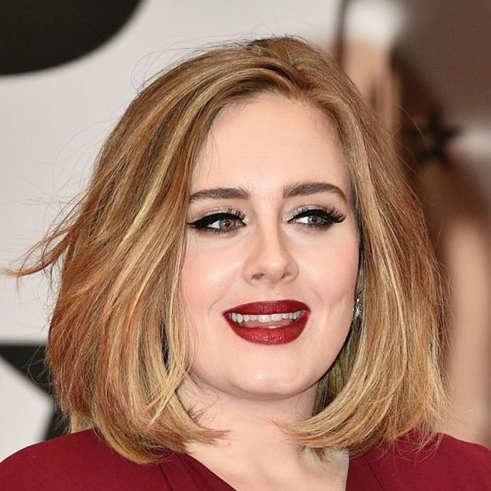 Adele sempre usa lindas makes