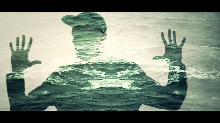 """""""Chiedo solo le nuvole il sole lo escludo apposta""""  Mecna - Senza Paracadute (Official Video HD)"""