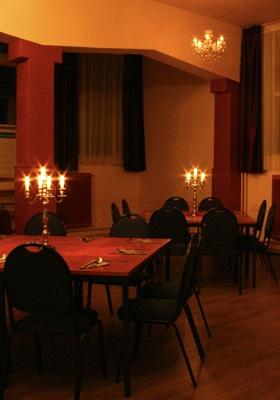 De kleine zaal van Vita Nova.  Zeer geschikt voor kleinere partijen, etentjes, buffetten, vergaderingen en borrels.