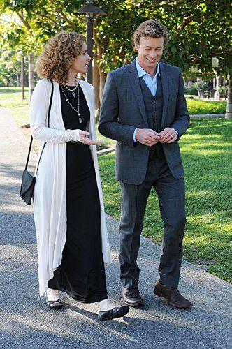 Patrick Jane (Simon Baker) and Kristina Frye (Leslie Hope)