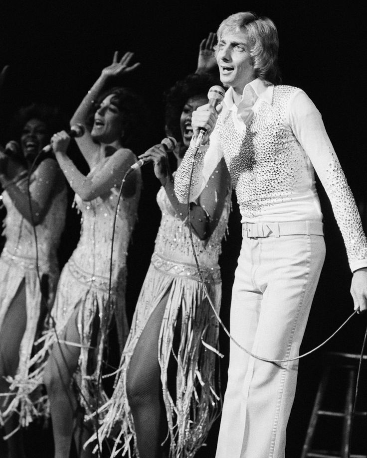 Barry Manilow - Successful Singing
