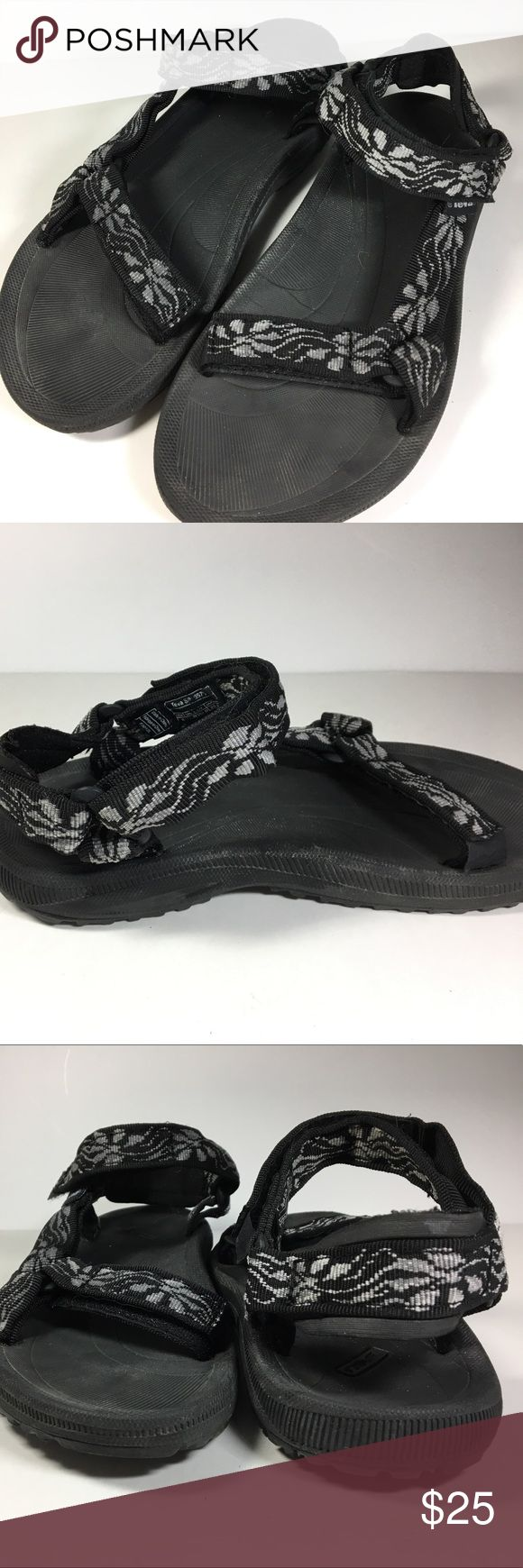 Sandals or shoes for hiking - Teva Hurricane Athletic Sandals Previously Worn With Minimal Normal Wear Great For Hiking Or Water