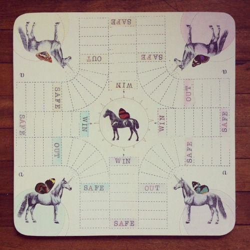 """"""" Carrera de caballos alados """" parqués 40x40. Pieza única #himallineishon #game #homedecor #handmade"""