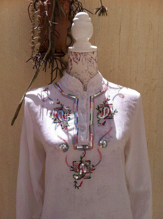 Witte vintage caftan - katoenen jurk blnanco dress vintage wit - witte kaftan met borduursel en pailletten-