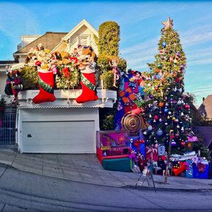 "Tom and Jerry Christmas Tree in Noe Valley | Every December 12th-25th, Tom Taylor and Jerome Goldstein bring Noe a 65ft, brilliantly illuminated Christmas tree. Oh and also, ""human-sized teddy bears, bathroom-sized presents, and a nightly visit from St. Nicholas himself""."