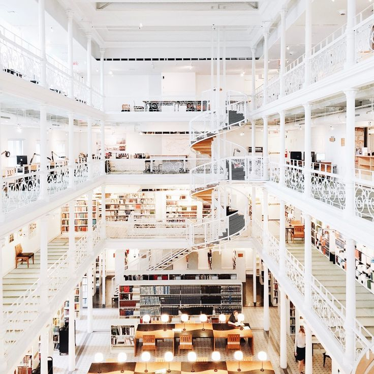 Experience the Beauty of Libraries Around the World Through This Instagram Series,National Library and Archives of Québec, Montréal. Image © Olivier Martel Savoie, @une_olive