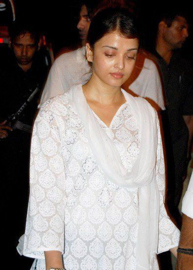 Aishwarya Rai Without Makeup in White Dress