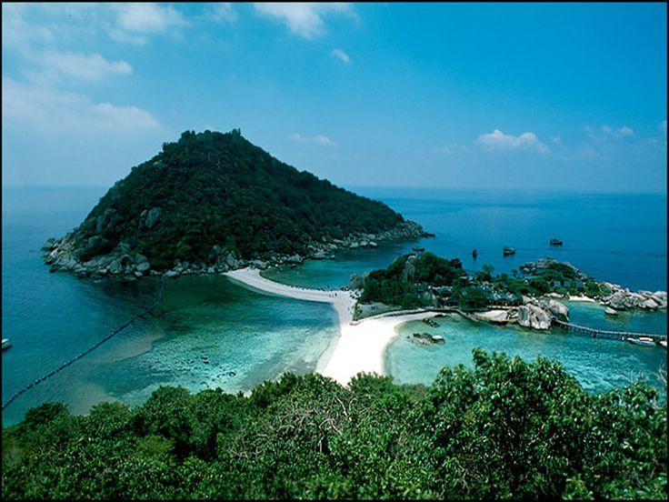 Marina di Sibari, situata in Calabria è il luogo ideale per trascorrere una vacanza all'insegna di sole, mare e tanto divertimento. Il Minerva resort Golf & Spa location i affaccia sul limpido e pulitissimo Mar Ionio....leggi qui http://iviaggididabi.wordpress.com/2014/03/05/la-calabria-e-marina-di-sibari-vi-aspettano/ #viaggi #blog #news #offerte