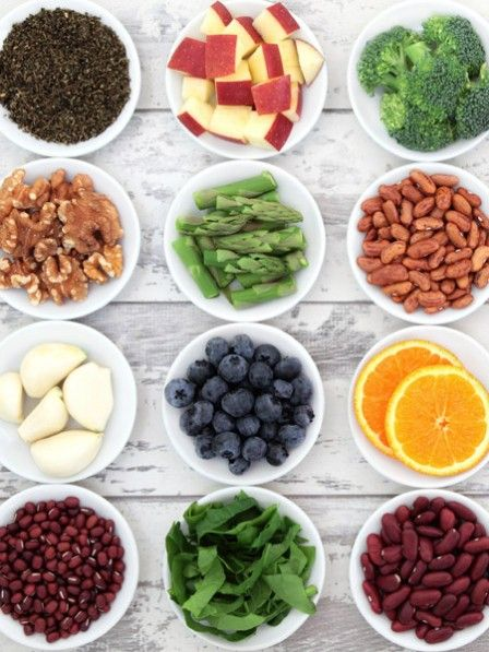 Die TV-Köchin Sarah Wiener sagt, vegane Ernährung hilft der Umwelt auch nicht