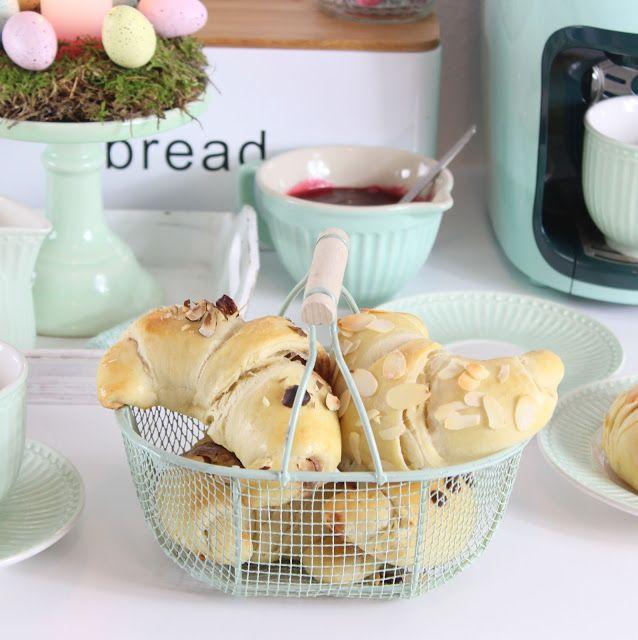 Miss Blueberrymuffin's kitchen: [Anzeige] Mein Osterbrunch: Dreierlei gefüllte Hörnchen mit Tchibo