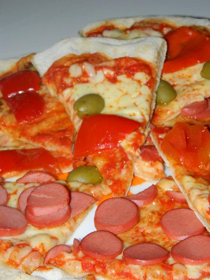 Pizza surgelata farcita