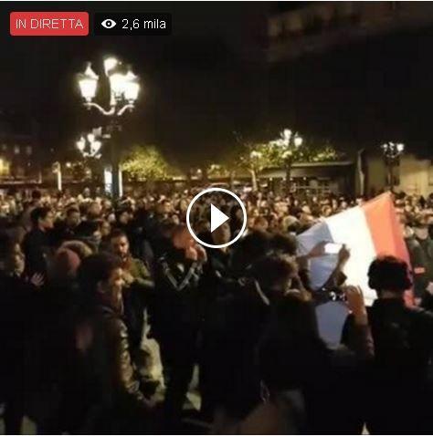 Centinaia di agenti della polizia manifestano contro lo scarso supporto economico e supporto da parte dello stato. Nessuna tv internazionale ne parla.