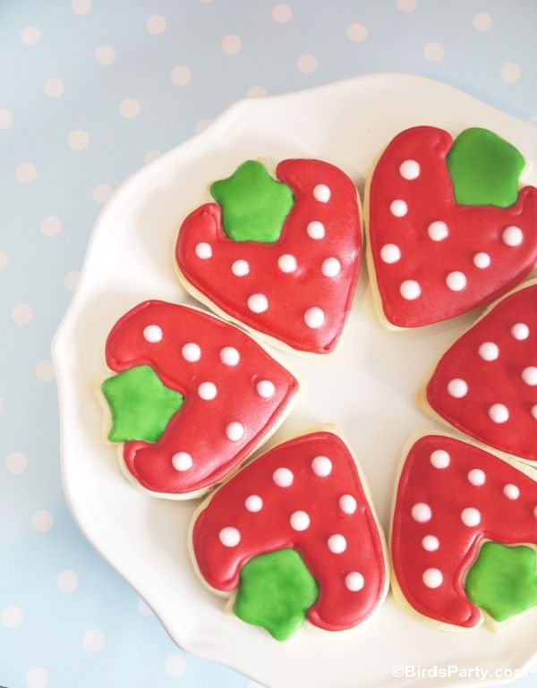 Genius - Strawberry Cookies without a strawberry cookie cutter - made with a heart + star cutter - from Bird's Party Blog