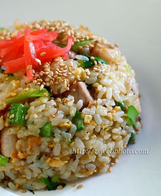 Japanese style chahan: Egg and pork fried rice with pickled red ginger garnish|チャーハン