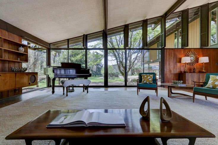Mid-century Home by Bruce McCarty is pure strength