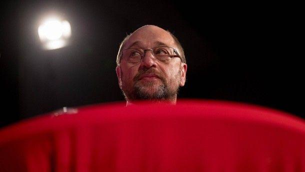 Schulz unter Beschuss: Vor einer Woche erst erhob die Union schwere Vorwürfe gegen den SPD-Kanzlerkandidaten. Nun bringt ihn offenbar ein internes Schreiben aus seiner Zeit als EU-Parlamentspräsident abermals in Bedrängnis.