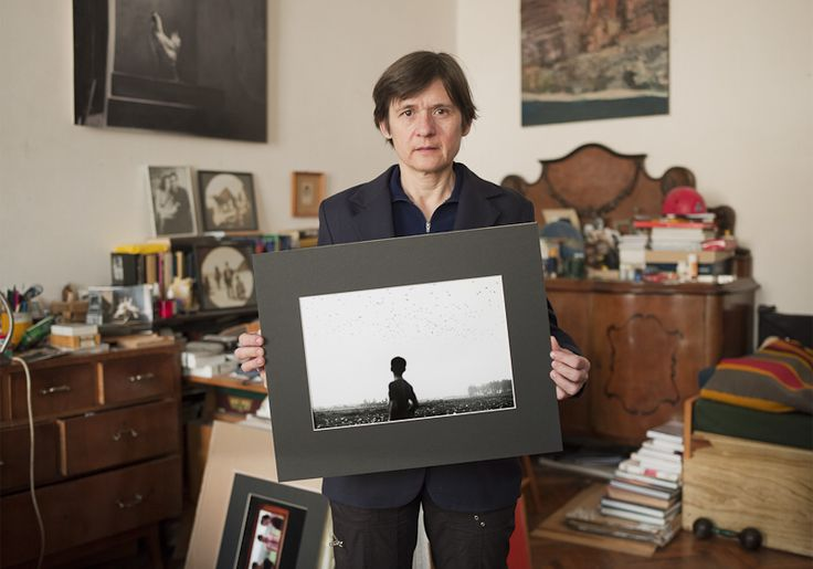 Szilágyi Lenke - Famous hungarian photographers posing with their most iconic works.